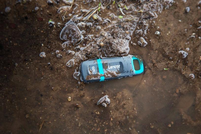 Lexar JumpDrive Tough 32GB USB 3.1 Flash Drive
