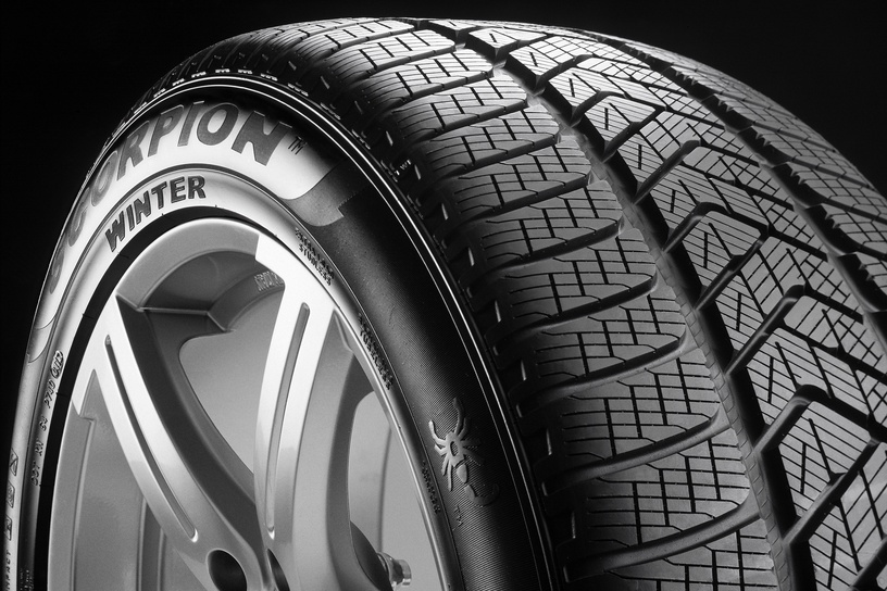 Automobilio padanga Pirelli Scorpion Winter 225 65 R17 102T