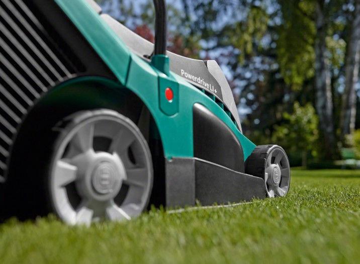 Аккумуляторная газонокосилка Bosch Rotak 370