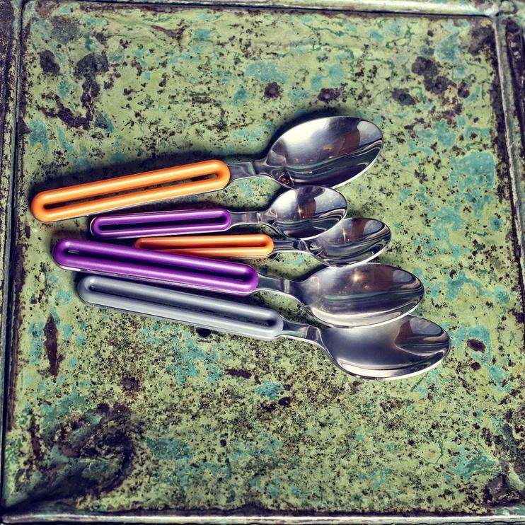 ViceVersa Offset Cutlery Set 4 Red
