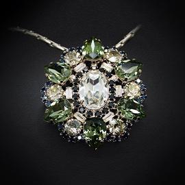 Diamond Sky Pendant Golden Flower II With Swarovski Crystals