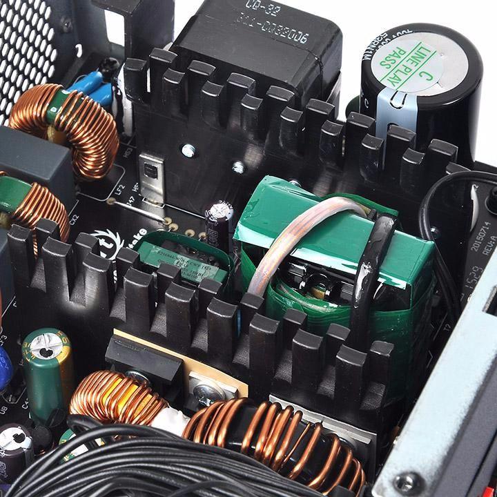 Thermaltake Smart DPS G 700W Bronze