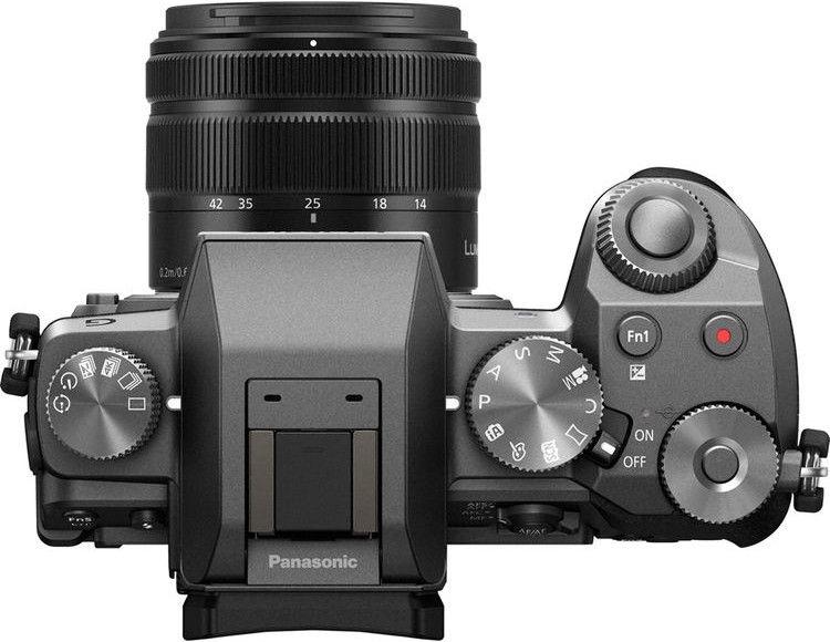 Panasonic Lumix DMC-G7 LUMIX G VARIO 14-42mm f/3.5-5.6 II ASPH. Mega O.I.S. Silver