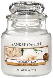 Ароматическая свеча Yankee Candle Classic Small Jar Wedding Day Cupcake, 104 г
