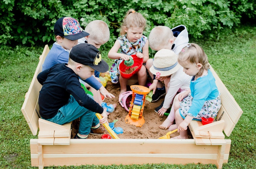 Folkland Timber Sandbox with Foldable Lid 1400x200x1400mm