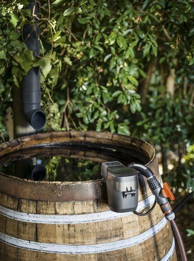 Gardena Battery Rain Water Tank Pump 2000/2 Li-18 Set