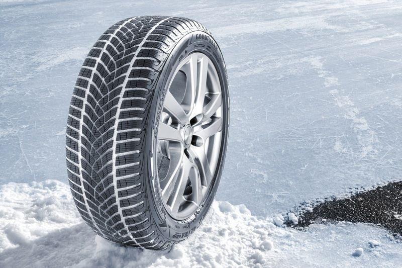 Žieminė automobilio padanga Goodyear UltraGrip Performance SUV Gen1, 255/50 R19 107 V XL B B 70