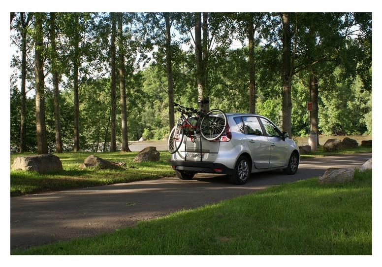 Велосипедный держатель для автомобилей BuzzRack Mozzquito 3
