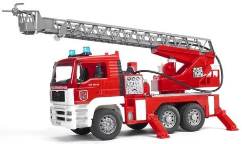Žaislinė gaisrinės mašina Bruder, su kopėčiomis ir vandens pompa 02771