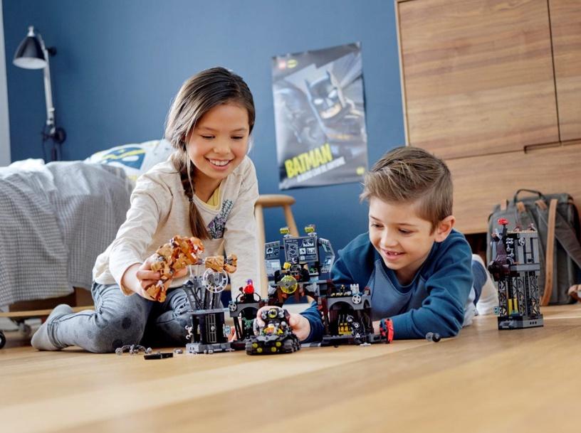 Конструктор LEGO Super Heroes Batcave Clayface Invasion 76122 76122, 1038 шт.