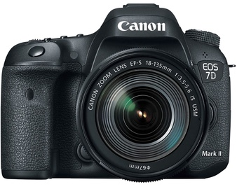 Canon EOS 7D Mark II 18-135mm f/3.5-5.6 IS USM