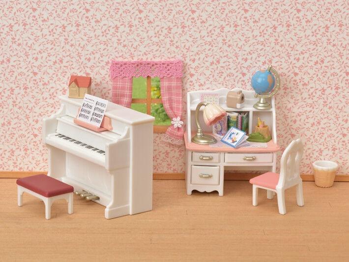 Žaislinė figūrėlė Epoch Sylvanian Families Piano & Desk Set 5284