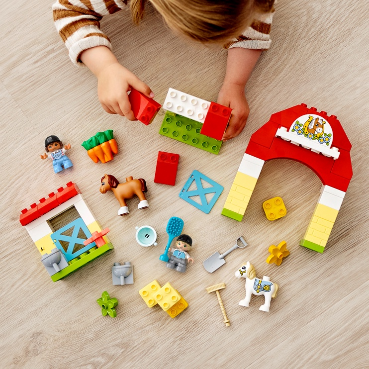 Конструктор LEGO Duplo Конюшня для лошади и пони 10951, 65 шт.