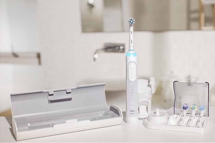 Электрическая зубная щетка Braun Genius 8900, белый/серебристый