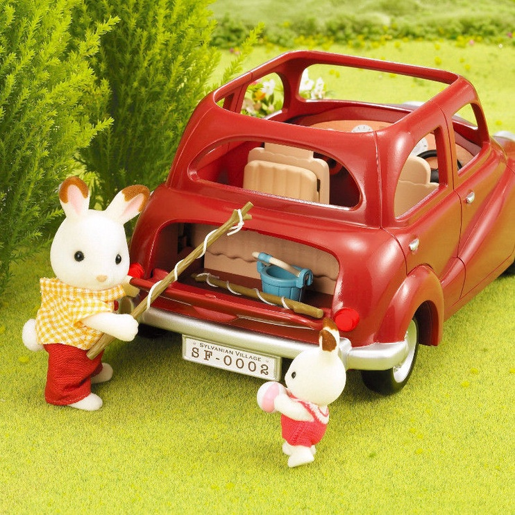 Epoch Sylvanian Families Red Saloon Car 2002
