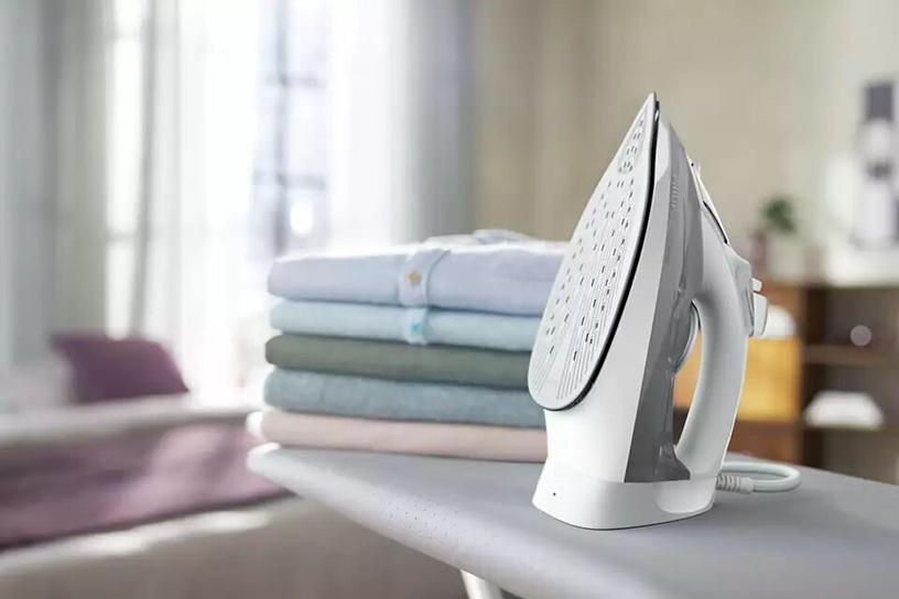 Утюг Philips DST5010/10, белый/серый