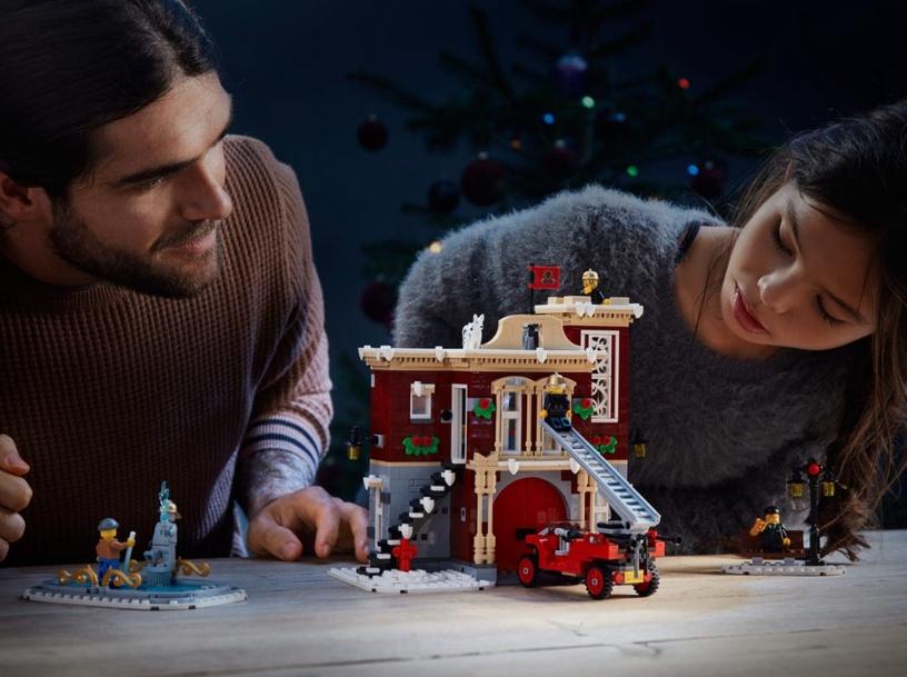 Конструктор LEGO Creator Expert Winter Village Fire Station 10263, 1166 шт.