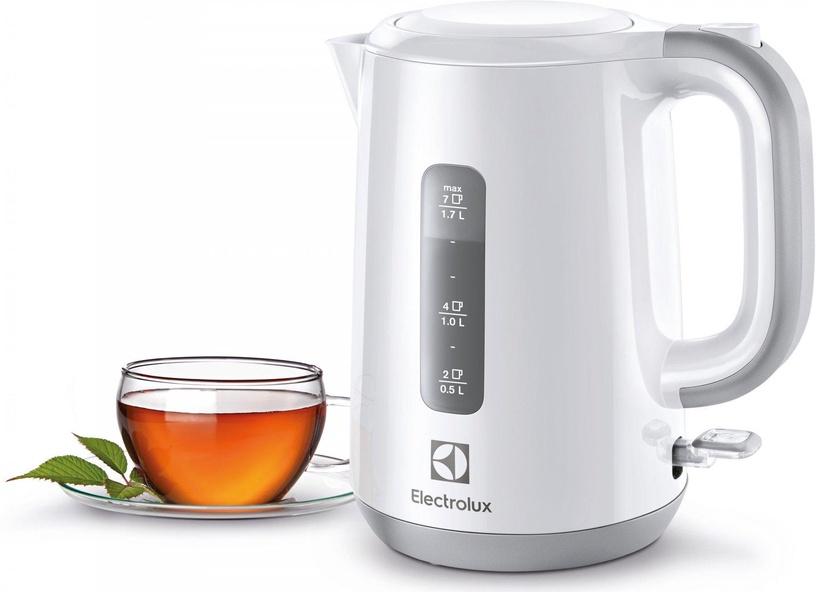 Электрический чайник Electrolux EEWA3330