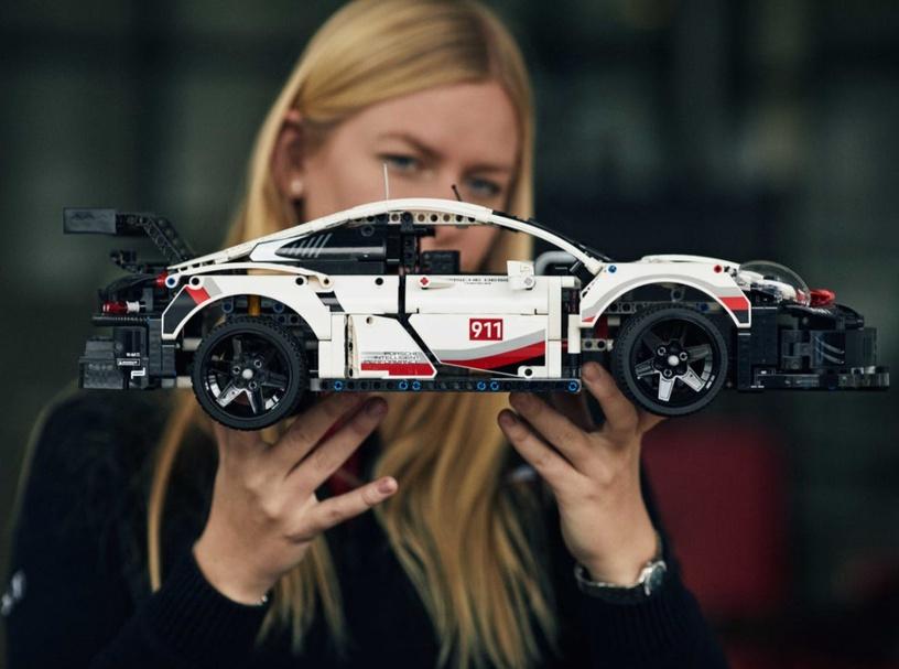 Конструктор LEGO Technic Preliminary GT Race Car 42096 42096, 1580 шт.