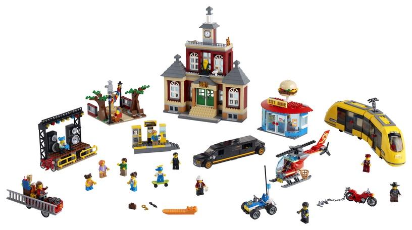 Конструктор LEGO City Городская площадь 60271, 1517 шт.