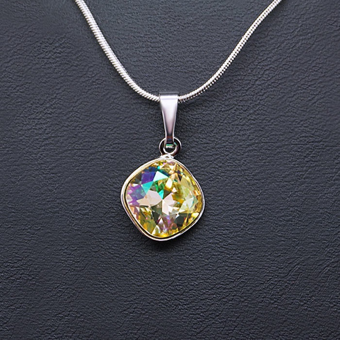Diamond Sky Pendant Glare IV Luminous Green With Swarovski Crystals