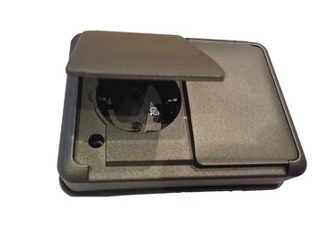 Įleistinis, 2 vietų kištukinis lizdas su įžeminimu, Liregus Hermi, juodos sp., montuojamas į vieną ertmę