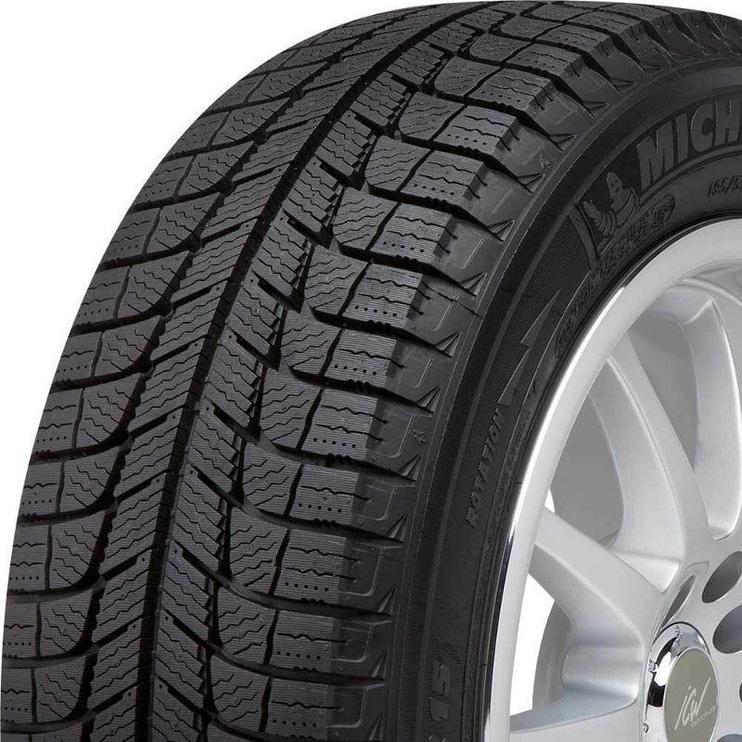 Automobilio padanga Michelin X-Ice XI3 215 65 R17 99T