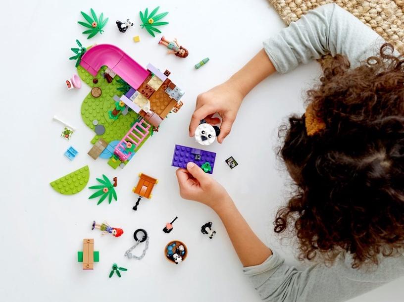Конструктор LEGO Friends Panda Jungle Tree House 41422 41422, 265 шт.