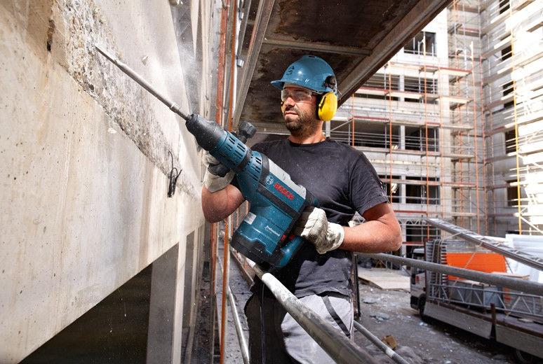 Bosch GSH 7 VC Demolition Hammer