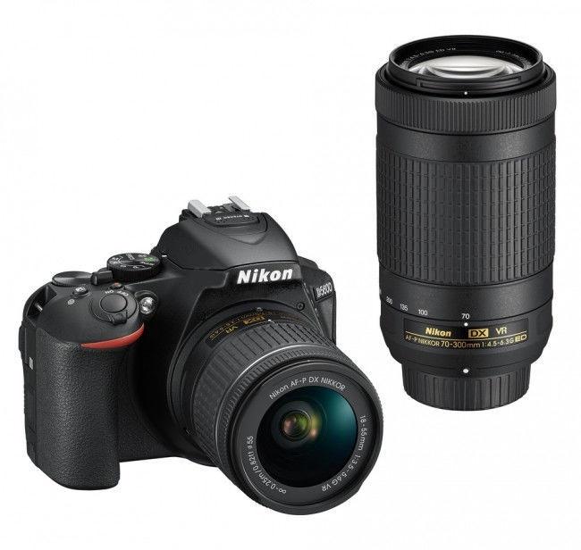 Nikon D5600 AF-P DX 18-55mm VR+ AF-P DX 70-300 VR + Card 16GB + Bag