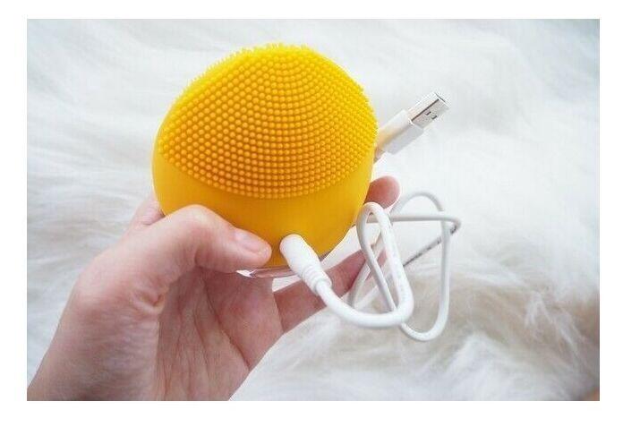Forever Lina Mini Ultrasonic Facial Cleansing Brush Yellow