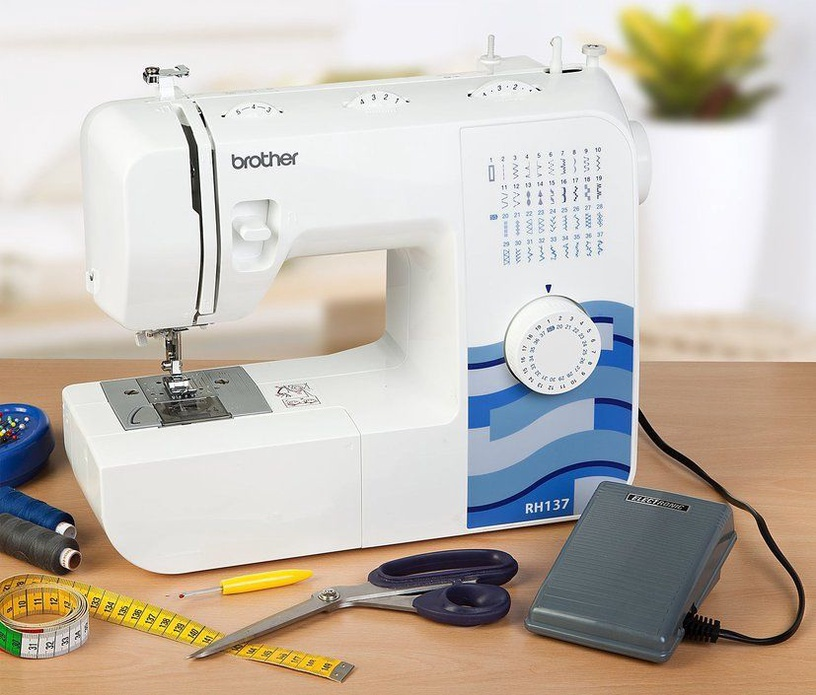 Brother RH-137 Sewing Machine White