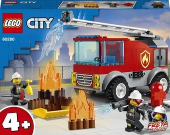 Конструктор LEGO City Пожарная машина с лестницей 60280, 88 шт.