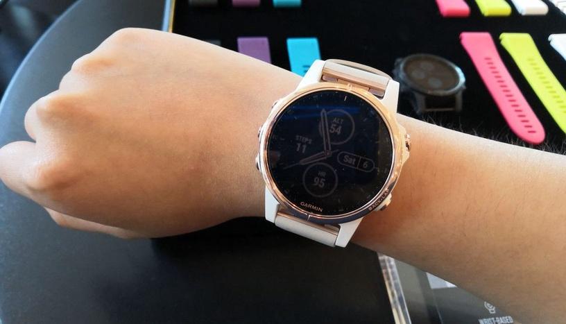 Garmin Fēnix 5S Plus Sapphire 42mm Rose Gold/White