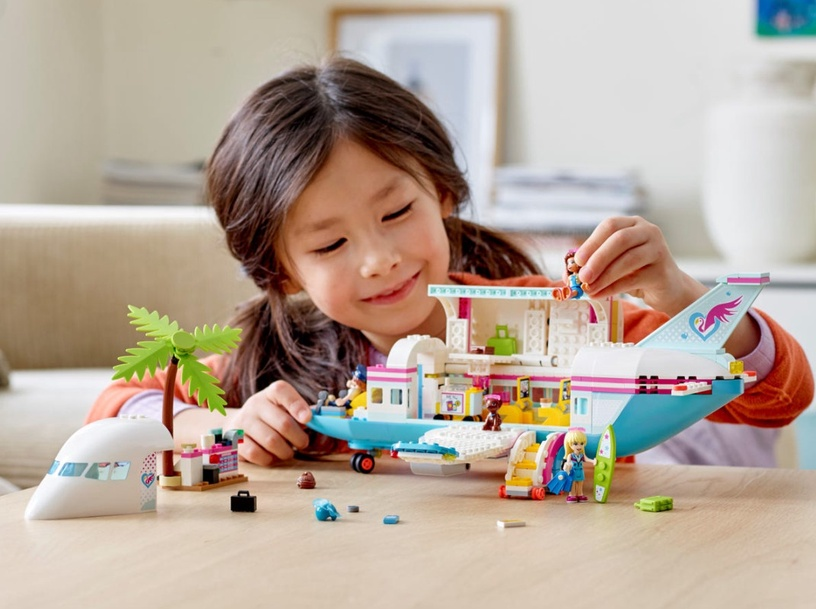 Конструктор LEGO® Friends Самолёт в Хартлейк Сити 41429