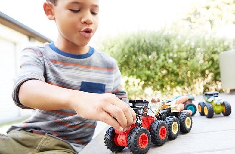 Mattel Hot Wheels Monster Trucks 1:43 Bash Ups Collestion GCF94