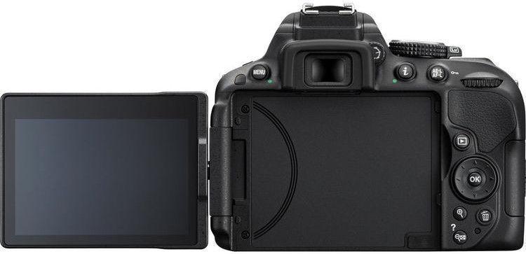 Nikon D5300 + 18-105 F/3.5-5.6G ED VR + 16GB SD Card + Bag