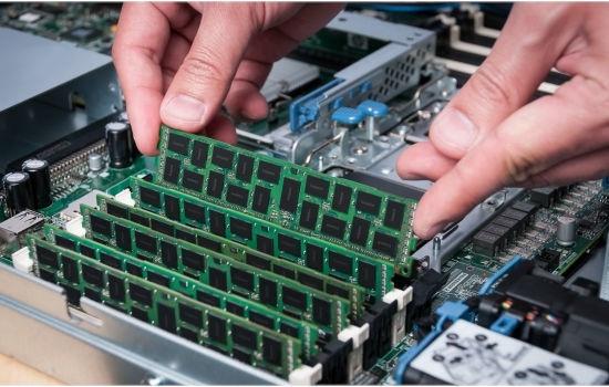 Kingston 8GB 2400MHz CL17 DDR4 ECC KSM24RS8/8MAI