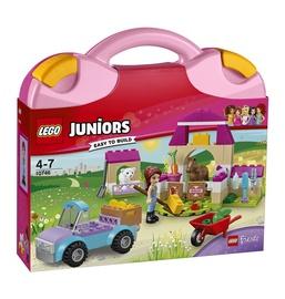 Konstruktor LEGO Juniors Mias Farm Suitcase 10746