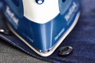 Утюг Tefal Easygliss 2 FV5735E0, синий/белый