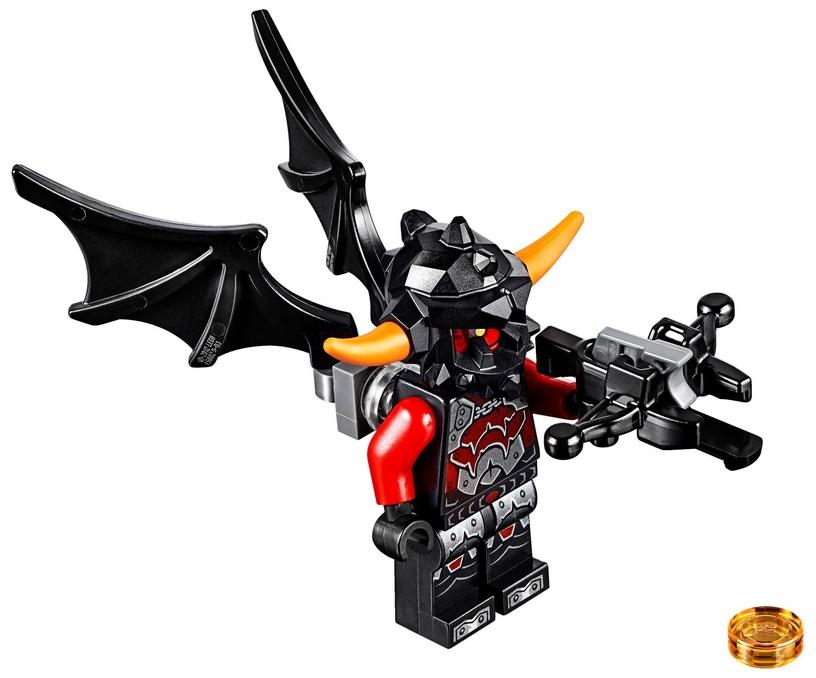 Конструктор LEGO Nexo Knights Aaron Foxs Aero-Striker V2 70320 70320, 301 шт.