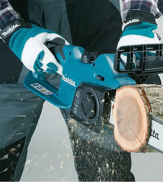 Makita UC3041A Electric Chainsaw