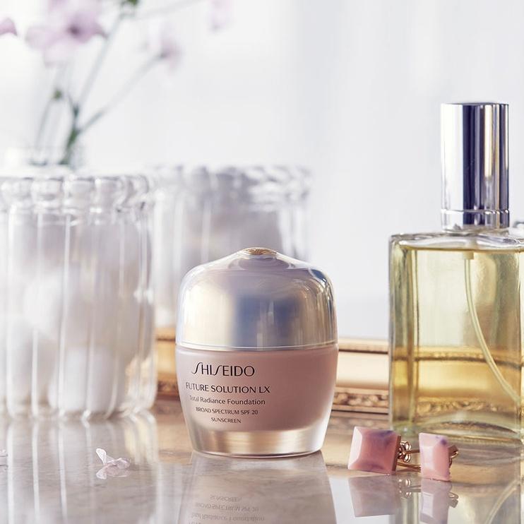 Shiseido Future Solution LX Total Radiance SPF15 Liquid Foundation 30ml N2