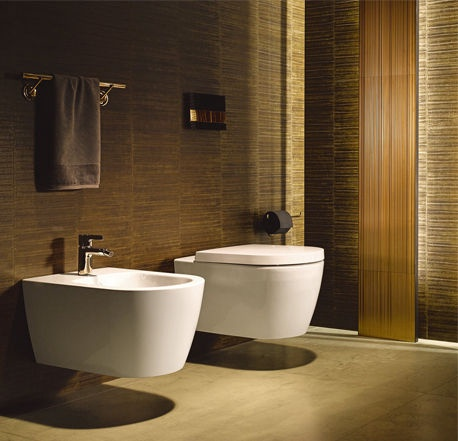 Sienas tualete Duravit ME By Starck Rimless, ar vāku, 370x570 mm