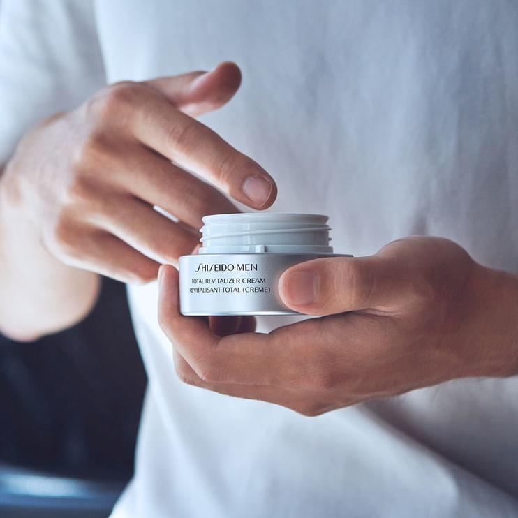 Näokreem Shiseido Men Total Revitalizer, 50 ml