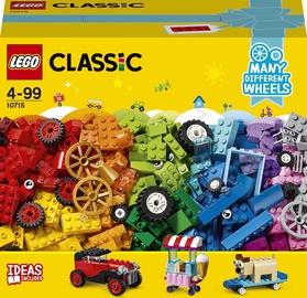 Конструктор LEGO Classic Модели на колёсах 10715, 442 шт.