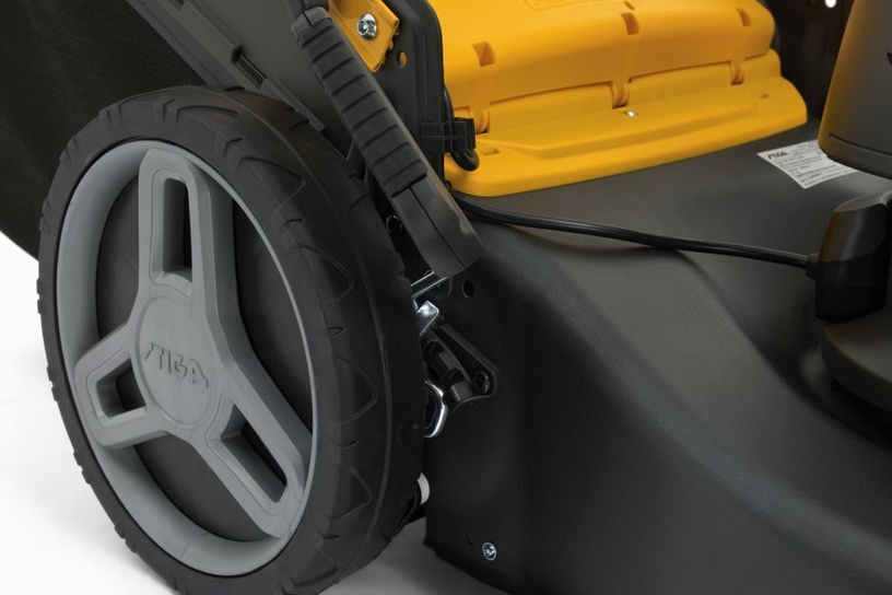 Аккумуляторная газонокосилка Stiga Collector 548 S AE