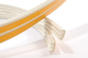 Blīvēšanas lente Sanok, 150 m x 9 mm