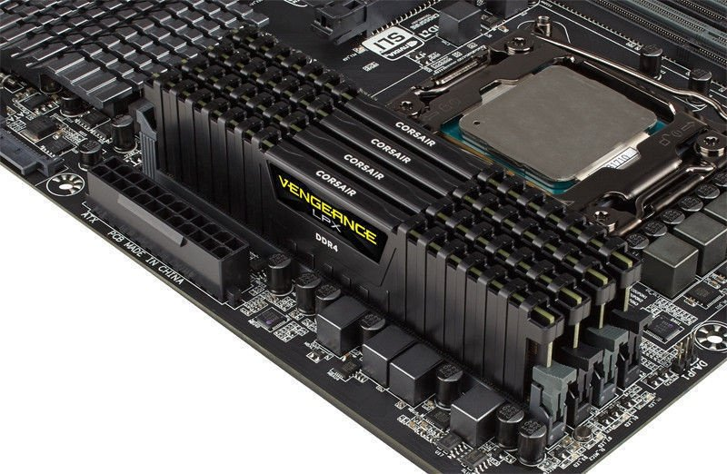 Corsair Vengeance 128GB 2400MHz CL14 DDR4 KIT OF 8 CMK128GX4M8A2400C14