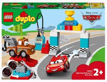 Конструктор LEGO Duplo Disney Гонки Молнии МакКуина 10924, 42 шт.